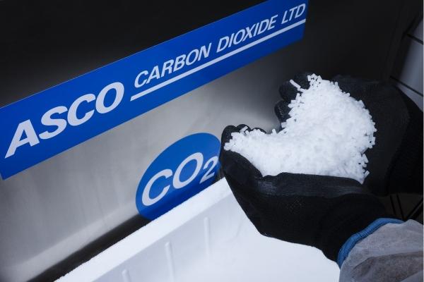 avantajele curatarii cu gheata carbonica